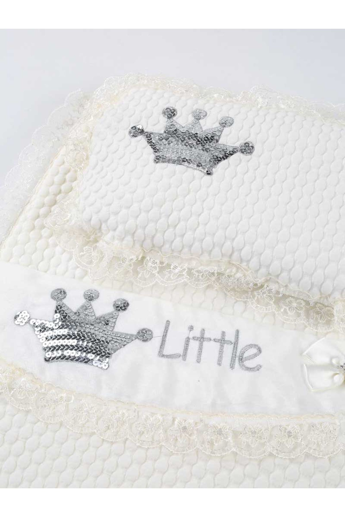 White Baby Girl Boy Swaddle King Crown The Little Prince Cotton Soft Bottom Opening Babies Newborn Stroller Bed Sweatproof Model