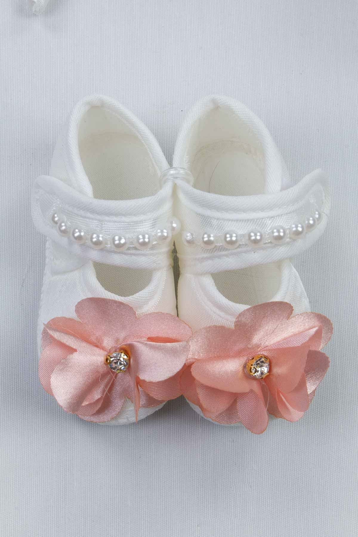 White Puerperal Crown Slippers and Baby Booties Bandana Set