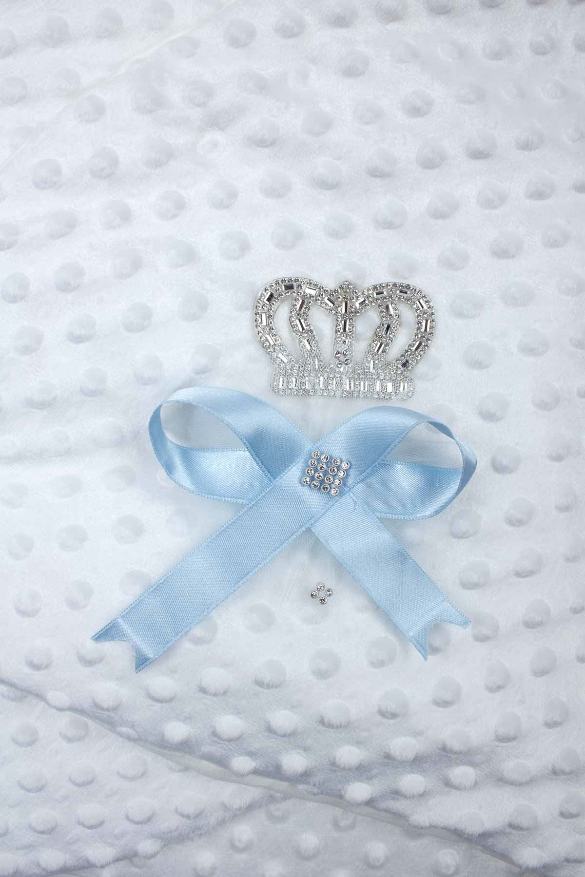 Beyaz Prens Taçlı Erkek Bebek Nohut Kundak