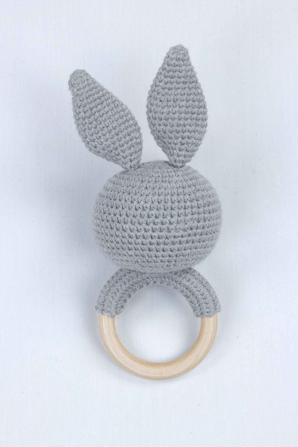 Gri Organik El Yapımı Amigurumi Tavşan Çıngırak Oyuncak