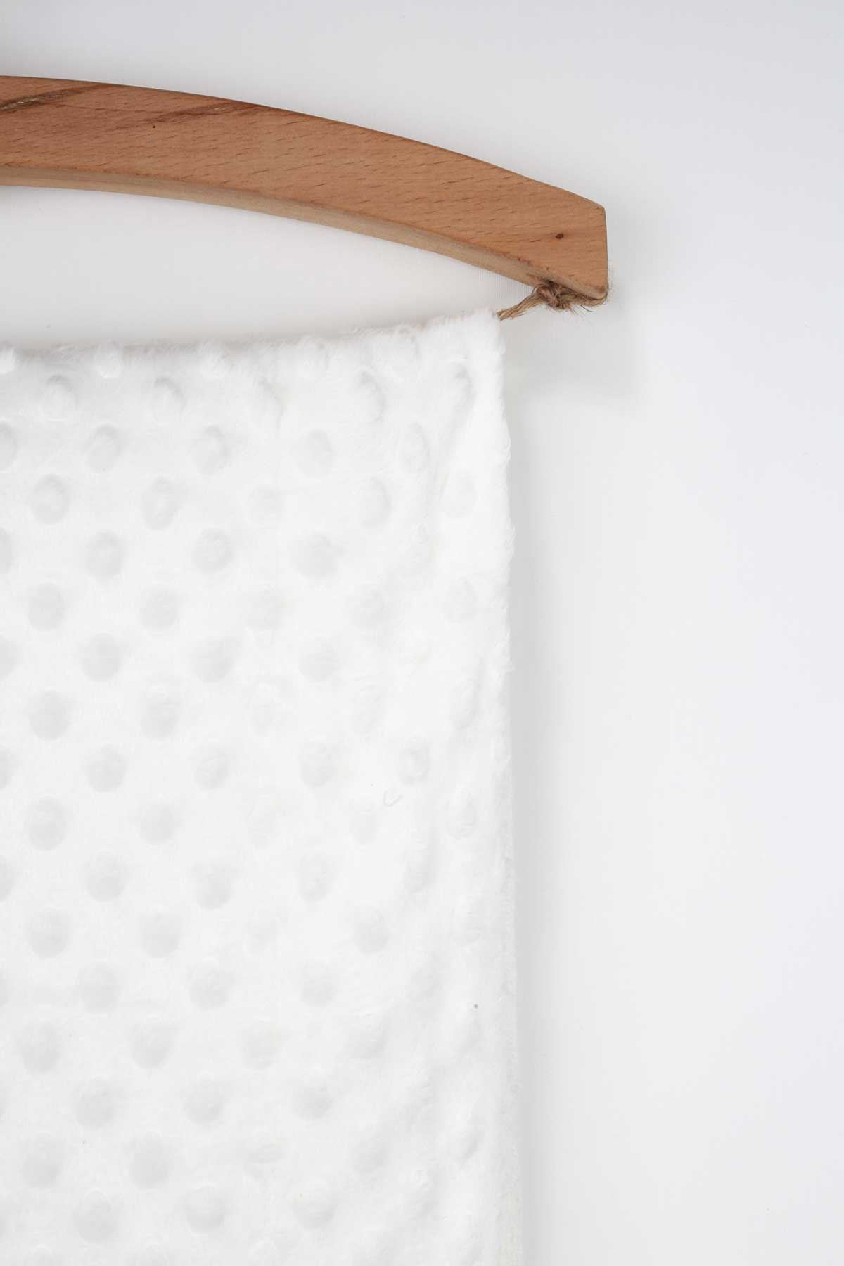 Beyaz 85x90 cm Nohut Desenli Bebek Battaniyesi