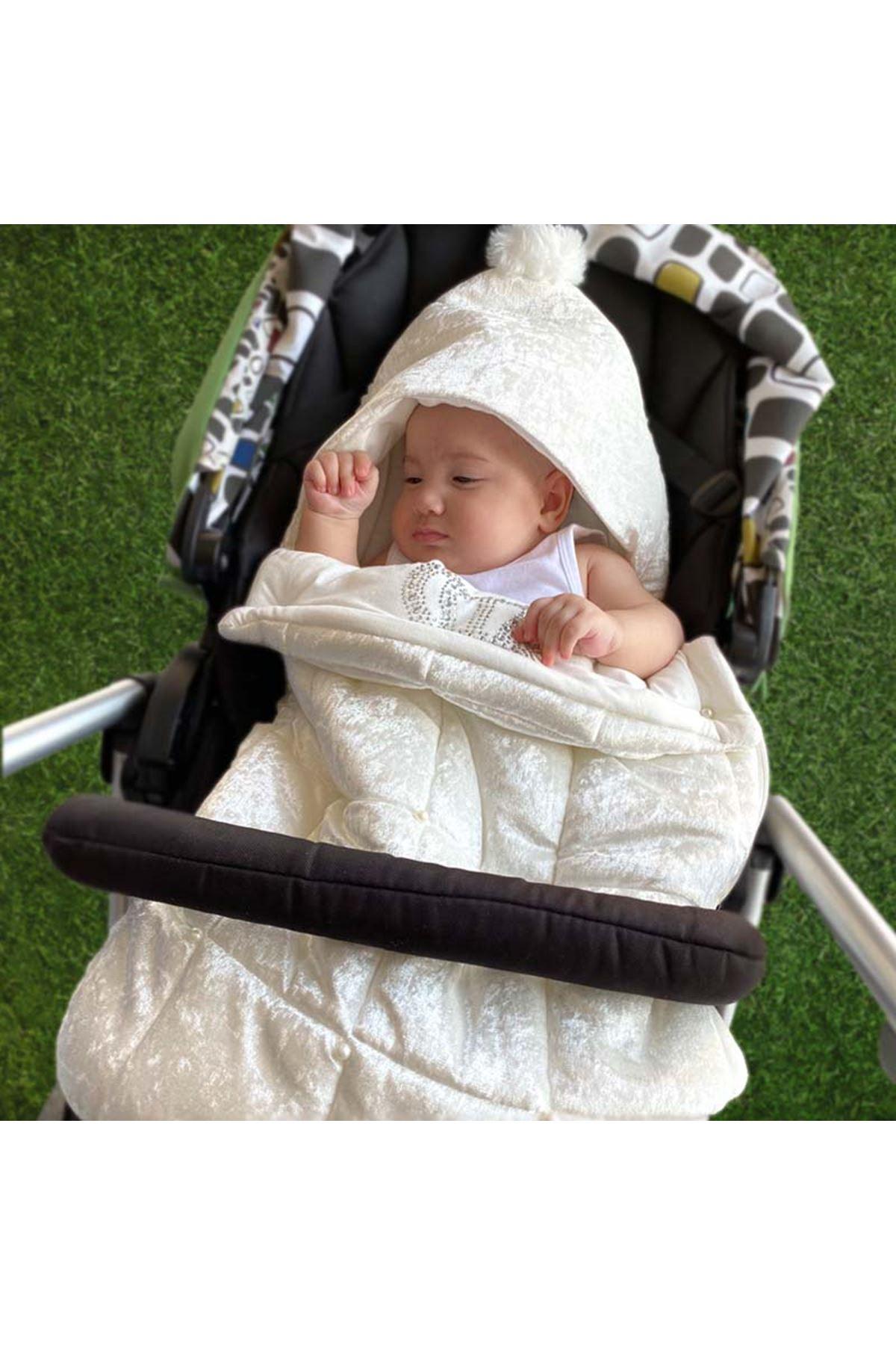 Beyaz Kadife Kapitone Kral Taçlı Bebek Kundak