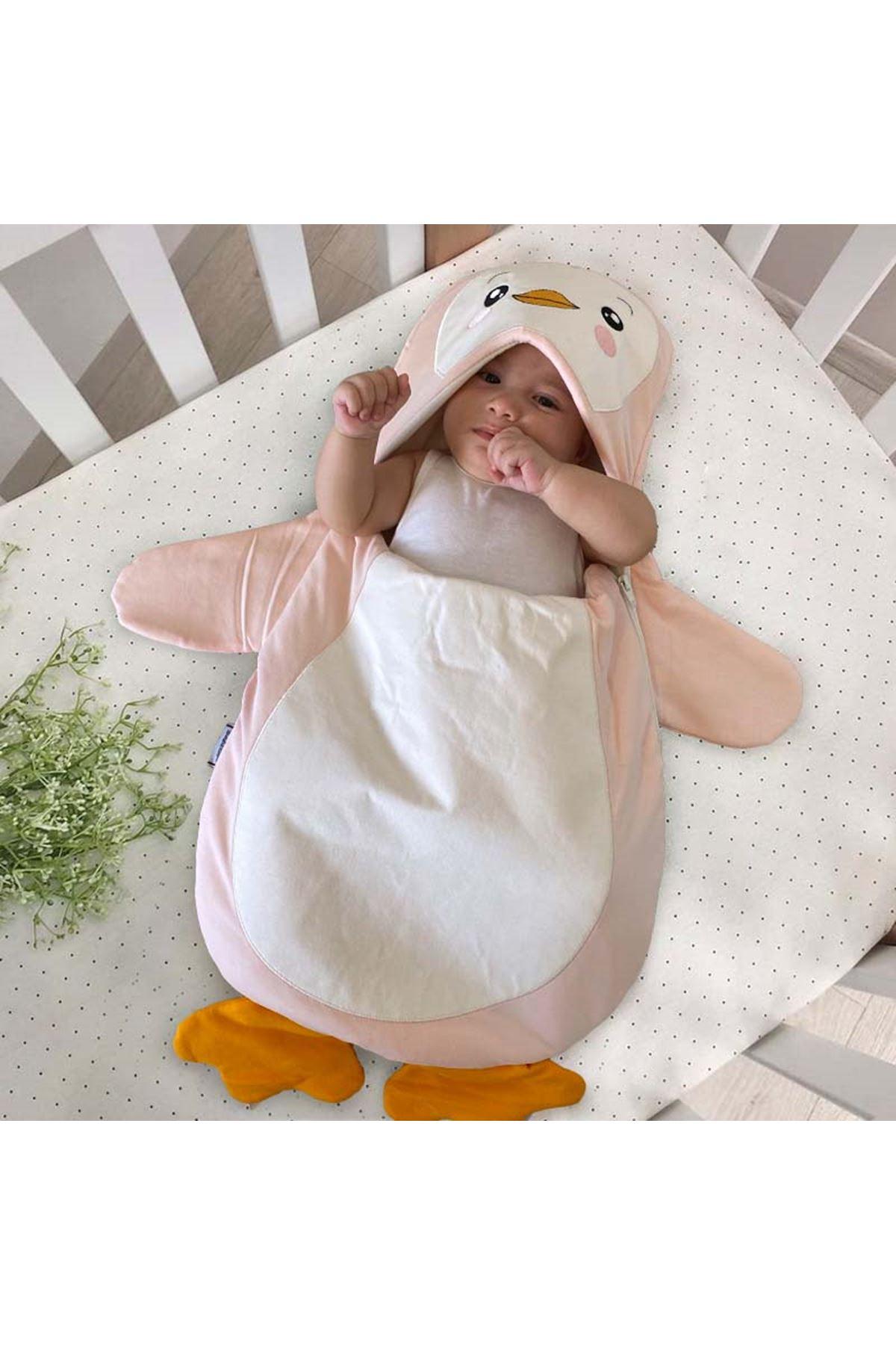 Pembe Penguen Figürlü Bebek Kundak Alt Açma